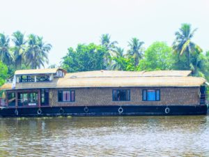 3 Bedroom Deluxe Houseboat