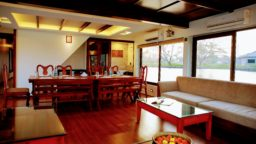 4 Bedroom luxury houseboat