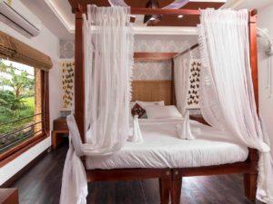 3 Bedroom Super Luxury Houseboat Package